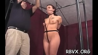 Diva likes to play with her cunt and tits