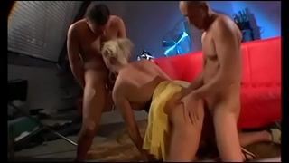 Round booty petite slut gets deep anal drilling