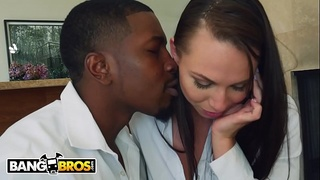 BANGBROS - A Big Black Dick For The Ever Lovely Aidra Fox, Courtesy Of Isiah Maxwell