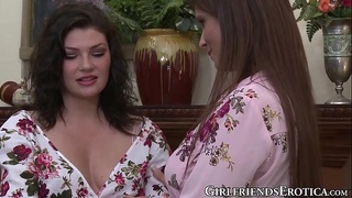 Teenage Jessica Rex fingered after eating out MILF