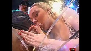 Stunning darling gives wet oral job with amazing dutch fuck