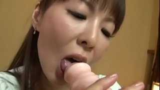 Japanese milf masturbating and getting her fingers