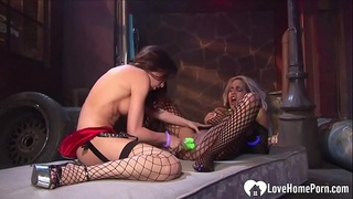 Horny babes at the club have fun