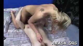 Naked playgirl loves facesitting during cunilingus oral