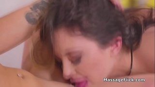 Exotic masseuse eaten out by big tit client