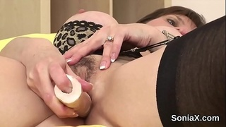 Cheating english milf lady sonia flaunts her large puppies