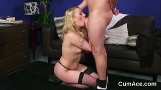 Foxy honey gets cumshot on her face gulping all the jizz