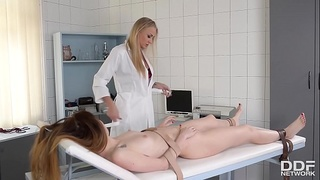 Domina Milf Doc Kayla Green&nbsp_chokes &amp_ spanks submissive patient&nbsp_Misha Cross