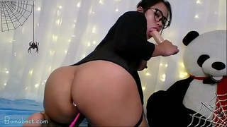 Big ass asian brunette babe with vibratoy on webcam