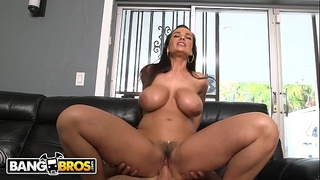 BANGBROS - MILF Lisa Ann'_s Big Ass Looks Spectacular While She Rides A Bicycle