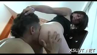 Astonishing face sitting session for big ass seductress