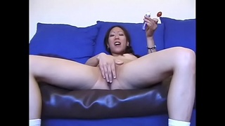 Young asian girl gets her wet pussy fucked