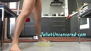 Real Amateur Homemade Asian Babe SPLIT PISS &amp_ BEHIND THE SCENES Dance Rehearsal