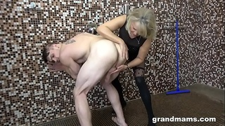 Horny mom sucks stepson