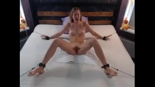 CamFap.net - I tortured bdsm camgirl on webcam with sextoy