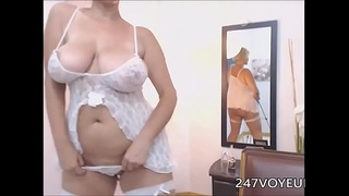big-tits,cam,mature,chubby,stripping