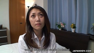 Fucking the Asian milf who gets to be creampied