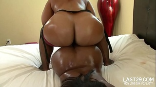 bubble butt ebony lesbians fuck with strap on