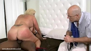 Plump White Wife Zoey Andrews Cuckold Hubby with BBC