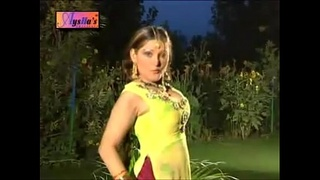 NADIA ALI HOT MUJRA GUJJRA WAY.flv