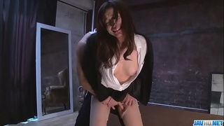 Shiona Suzumori complete encounter with a big dong - More at javhd.net