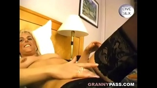 Sexy German Mature Gives Erotic Blowjob