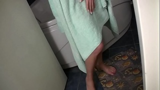 shaved,teen,softcore,teasing,brunette,solo