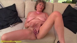 extreme,dildo,home-made,rough,granny,mom,stepmom