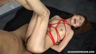 Fucking the tied brunette and creaming in her
