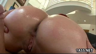Kelly Divine anal challenge